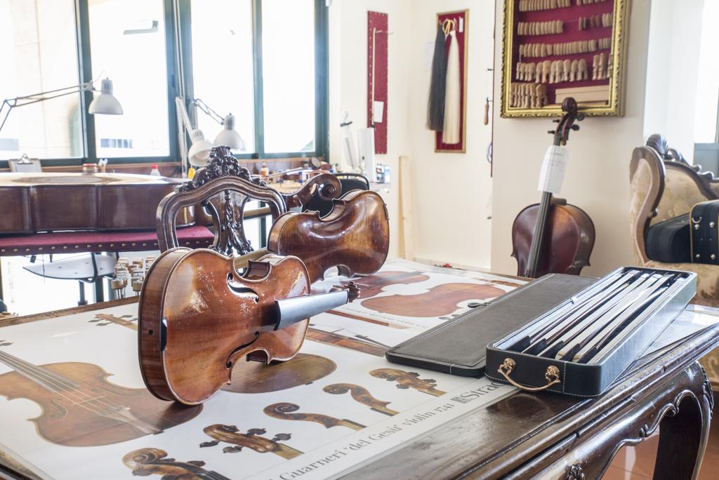 taller anxo cabreira en vigo - construcción de instrumentos